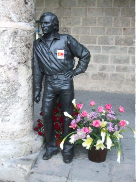Estatua de Gades en La Habana