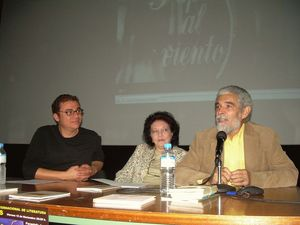 De izquierda a derecha Samir Delgado, Aitana Alberti y Alez Paiusides en el IES La Orotava