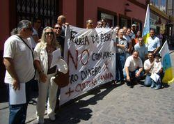 Concentraciones contra la Feria de Abril, en Las Palmas de Gran Canaria y en Gáldar