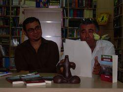 Samir Delgado y Agapito de Cruz Franco en la presentación en la librería Agapea, Tenerife