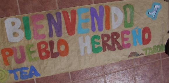 Pancarta recibimiento en Los Cristianos del Barco por la Paz 17 mayo 1997