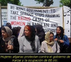 Mujeres afganas protestan contra el gobierno de Karzai y la ocupación de EE.UU.