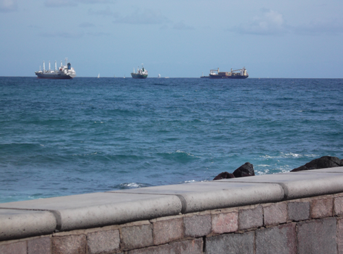 Barcos fondeados en la zona de San Cristobal