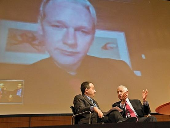 Ellsberg Assange
