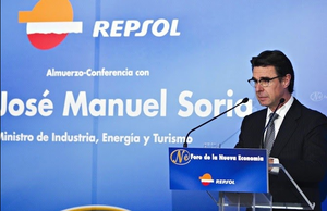 Señor Soria, métase su modelo saudí para Canarias por el culo
