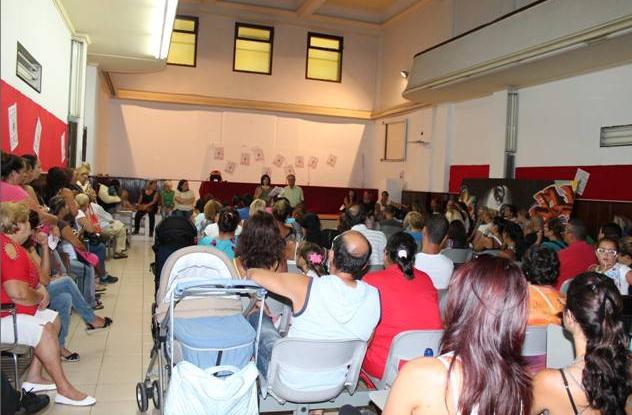 Asamblea de solicitantes de vivienda celebrada