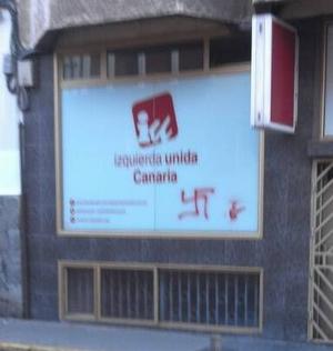 La futura sede de IUC amanece con un grafiti nazi