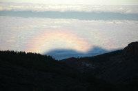 Gloria sobre el barranco de Erque: Fenómeno óptico, provocado por la sombra del Sombrerito sobre el mar de nubes