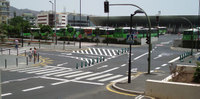 Foto montaje que publicábamos en julio del 2006 proponiendo una solución provisional para ese peligroso cruce, justo la que nos ha mamado La Gaceta de Canarias sin citarnos este domingo