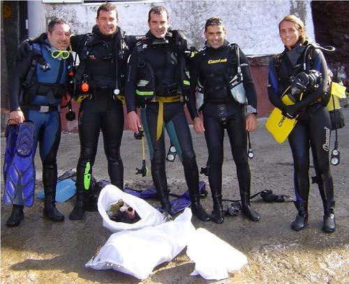 Jornada de limpieza submarina en Caleta de Arriba (Tamaránt)