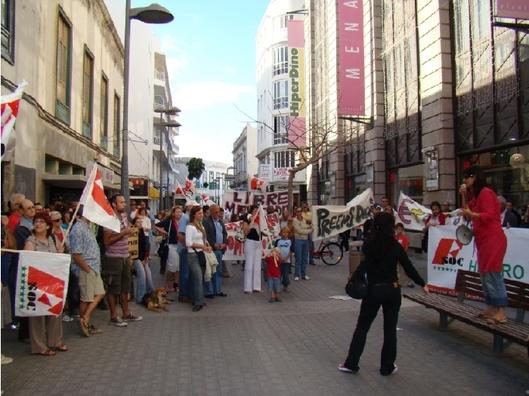 300 ciudadanos se manifiestan contra la carestía de la vida en Lanzarote