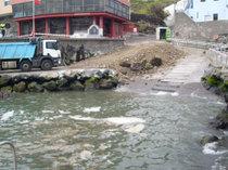 El Cabildo demuele la nueva rampa varada de Jóver después de varios accidentes graves