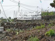 Pancarta en el Sabuguero