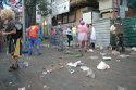 A las ocho de la mañana los de la limpieza rompieron entre la gente