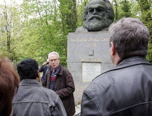Ofrenda floral a Marx (11)